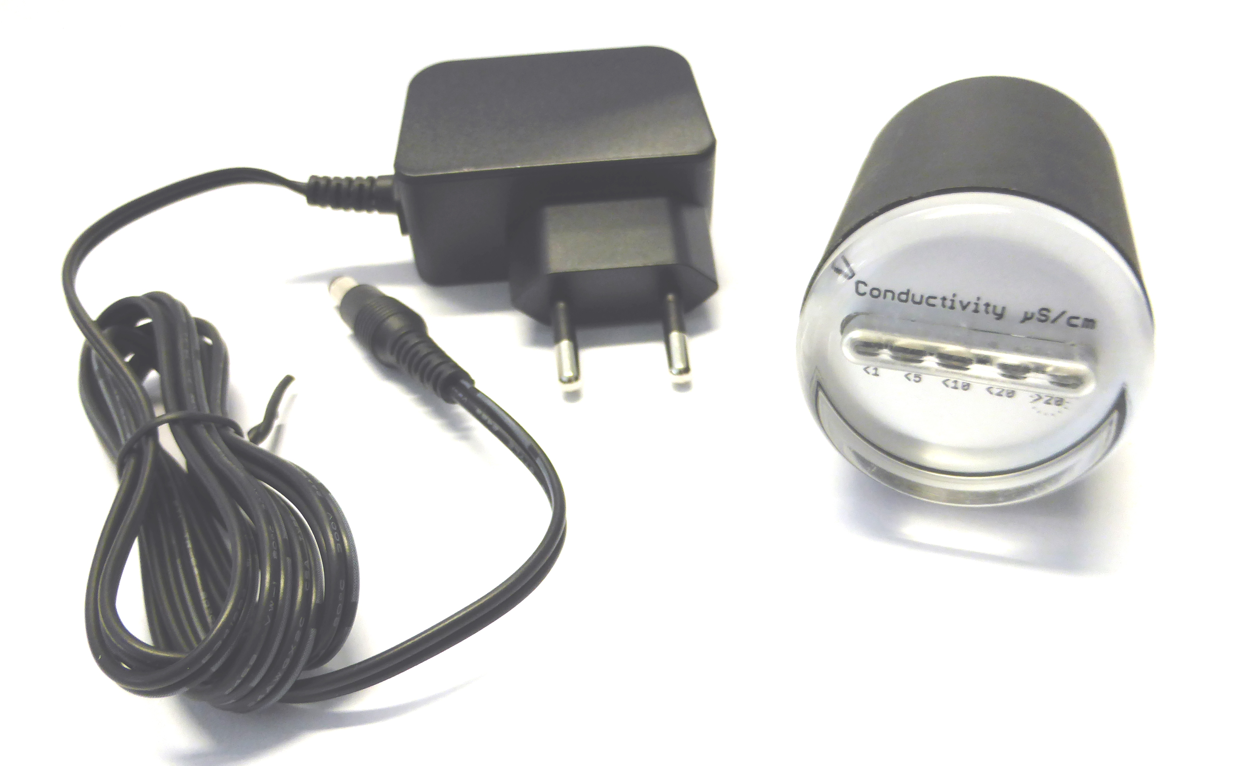 N-LED20, Leitfähigkeitsmessgerät 0-20 μS/cm mit 5 LEDs und integrierter 3/4' Einschraubmesszelle